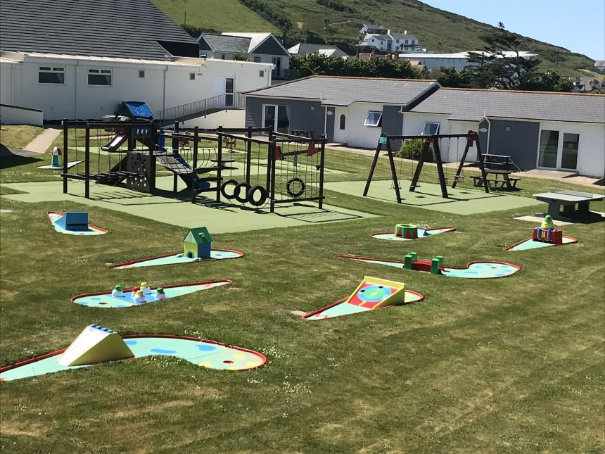croyde bay resort mini golf